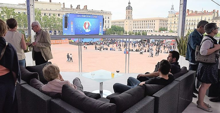 EURO-2016-FAN-ZONE-LYON-3